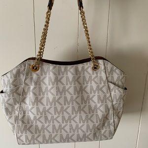 Michael Kors Bags - Women's Michael Kors purse